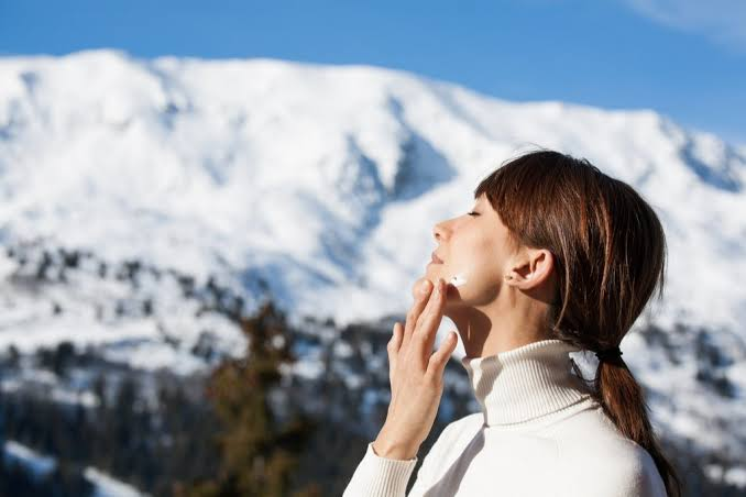 """Image result for applying sunscreen in winter"""""""