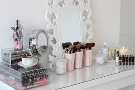 makeup storage ideas top ons