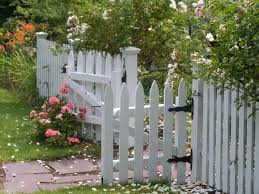 Keep Your Yard Safe With These Garden Fence Ideas Properly Rooted