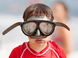scuba or snorkeling mask from fogging