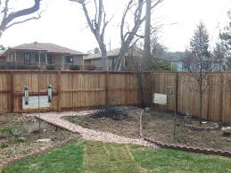 That Flat Top Privacy Fence W Dog Windows Alpine Fence Of Colorado Llc