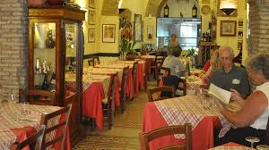 the dos don ts of eating in italy