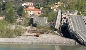 Crolla il ponte Caprigliola: nuovi attimi di terrore in Liguria ...