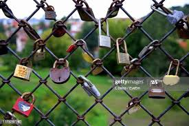 734 Chain Link Fence Locks Photos And Premium High Res Pictures Getty Images