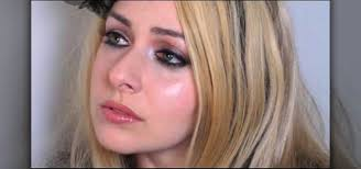 avril lavigne inspired makeup look