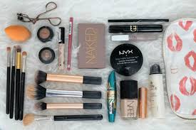 my on the go makeup bag what she does now