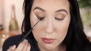 how to apply a dramatic smokey eye