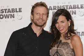 Dierks Bentley + Cassidy Black -- Country Love Stories