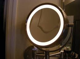 20x magnifying mirror with light vanity