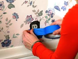 how to remove wallpaper using solvents