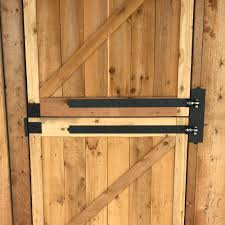 Ramm S Madison Adjustable Double Strap Hinge S Support Strength Is Rated Up To 300 Pounds Per Hinge Ramm Rammfence F Strap Hinges Horse Fencing Stall Door