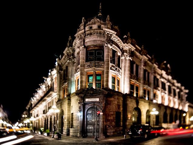 centro histórico de Puebla de noche