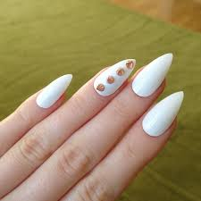 35 stunning pointy nail designs that