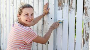 The Best Fence Paint To Use In Your Garden Home What S The Best