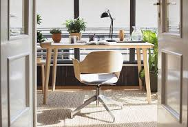 ways to feng shui your desk