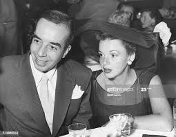 885 Vincente Minnelli Photos and Premium High Res Pictures - Getty Images