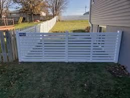 4 White Vinyl Horizontal Picket Fence American Fence Company Of Iowa City Ia