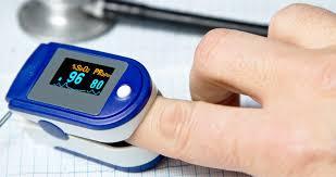 Pulsossimetro da dito per misurare la saturazione dell'ossigeno a casa