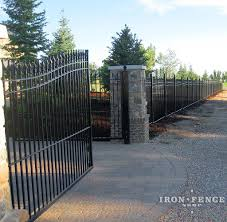 A Beautiful Property Frontage Accentuated By Our 6ft Tall Wrought Iron Fence And 20ft W Wrought Iron Fences Wrought Iron Driveway Gates Wrought Iron Pool Fence