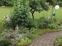 natural garden welcomes wildlife