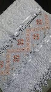 Pin de Lilia Wagner em barrados em 2020 | Toalhas bordadas, Bordados finos,  Artesanato e faça você mesmo