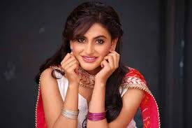 Shaily Priya Pandey Indian Actress and Model Height, Weight, Age, Bio, and  More | Festive India