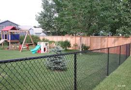 Black Vinyl Coated Chain Link Fences Cedar Fence Black Chain Link Fence Landscaping Along Fence