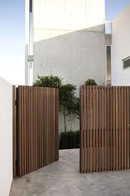 Fence Ideas Modern Fence Ideas Modern Design In 2020 Modern Wood Fence Fence Design Wood Fence Design
