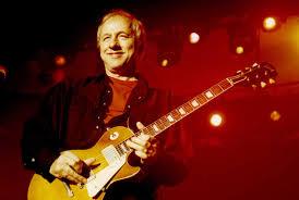 Mark Knopfler's Fingerstyle Finesse | Premier Guitar