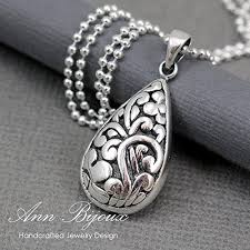 teardrop pendant necklace filigree