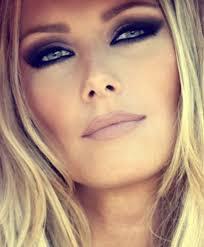 makeup for green eyes blonde hair