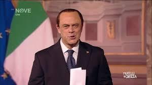 Fratelli di Crozza: Crozza Berlusconi: vecchietti, votatemi!