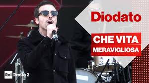 DIODATO dal vivo a Radio2 Social Club Sanremo 2020 - CHE VITA ...