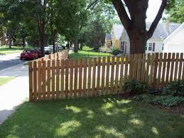 Dog Ear Picket Fence Yard Strangetowne Wood Fence Pickets Makes It Look More Sophisticated