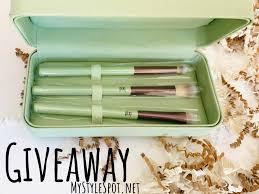 win a pixi beauty makeup brush set