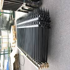 China Iron Fence Design China Iron Fence Design Manufacturers And Suppliers On Alibaba Com