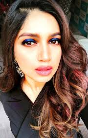 does malaika have the perfect blue eyes
