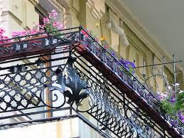 Urban Balcony Flower Garden With Metal Fence Design Homescorner Com