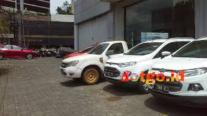 service dan bengkel resmi mobil ford di