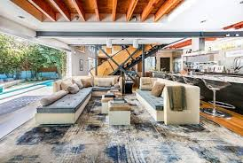 Santa Monica property offers spectacular indoor-outdoor living