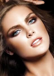 eye shadow that goes good with blue and