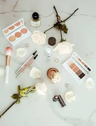 makeup routine with lise watier