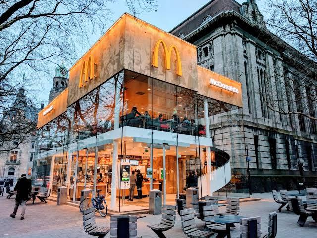 McDonald's Coolsingel, McDonalds, Gerai McDonalds
