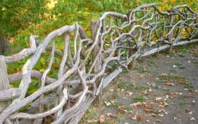 Fences Made With Sticks Maintain Your Garden With Garden Border Fences Garden Town Suites Wattle Fence Rustic Fence Building A Fence