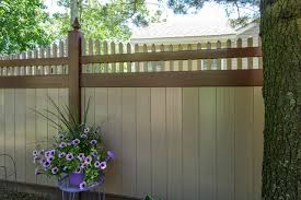 Amazing Brown And Adobe Curved Pvc Vinyl Illusions Picket Fence Modern Garden New York By Illusions Vinyl Fence