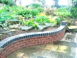 building a small garden wall ideas