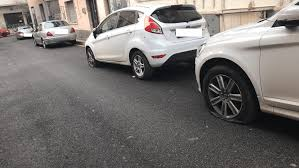Bucate le gomme a oltre 20 auto in via don Minzoni a Nettuno, si ...