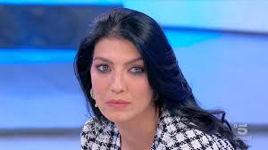 Anticipazioni Uomini e Donne, Giovanna ha un dubbio: scelta a ...