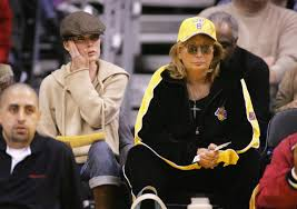 """ThePostGame on Twitter: """"RIP, Penny Marshall whose sports connections  included directing """"A League Of Their Own,"""" being a @Lakers season-ticket  holder and playing Myrna Turner, secretary for columnist Oscar Madison.…  https://t.co/hHC7EPfbfg"""""""