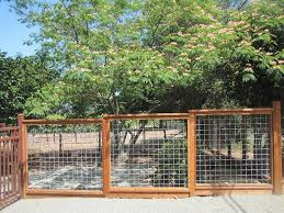 Hog Wire Fence 4 2 Cattle Panel Fence Backyard Fences Fence Design